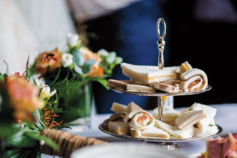 Eten op een bruiloft buffet bij Hotel-Restaurant Bakker in Vorden