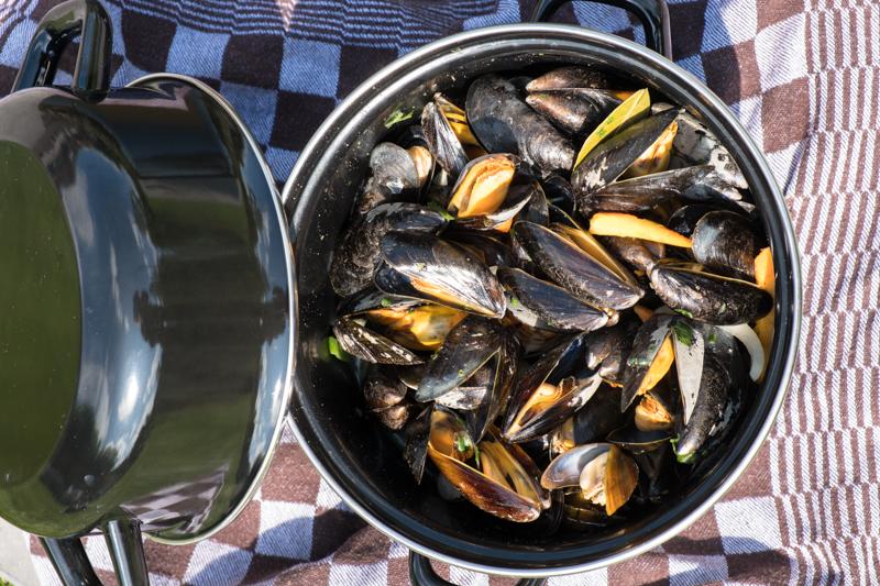 Mosselen eten bij Restaurant Bakker in Vorden